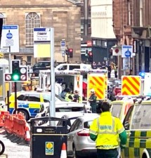 'Three people stabbed to death' in Glasgow city centre